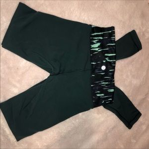 Lulemon dark green leggings size 2
